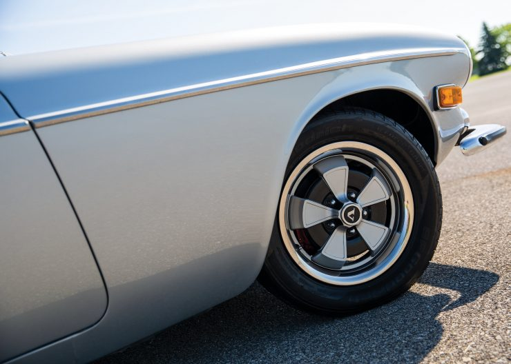 Volvo-1800E-Car Wheel
