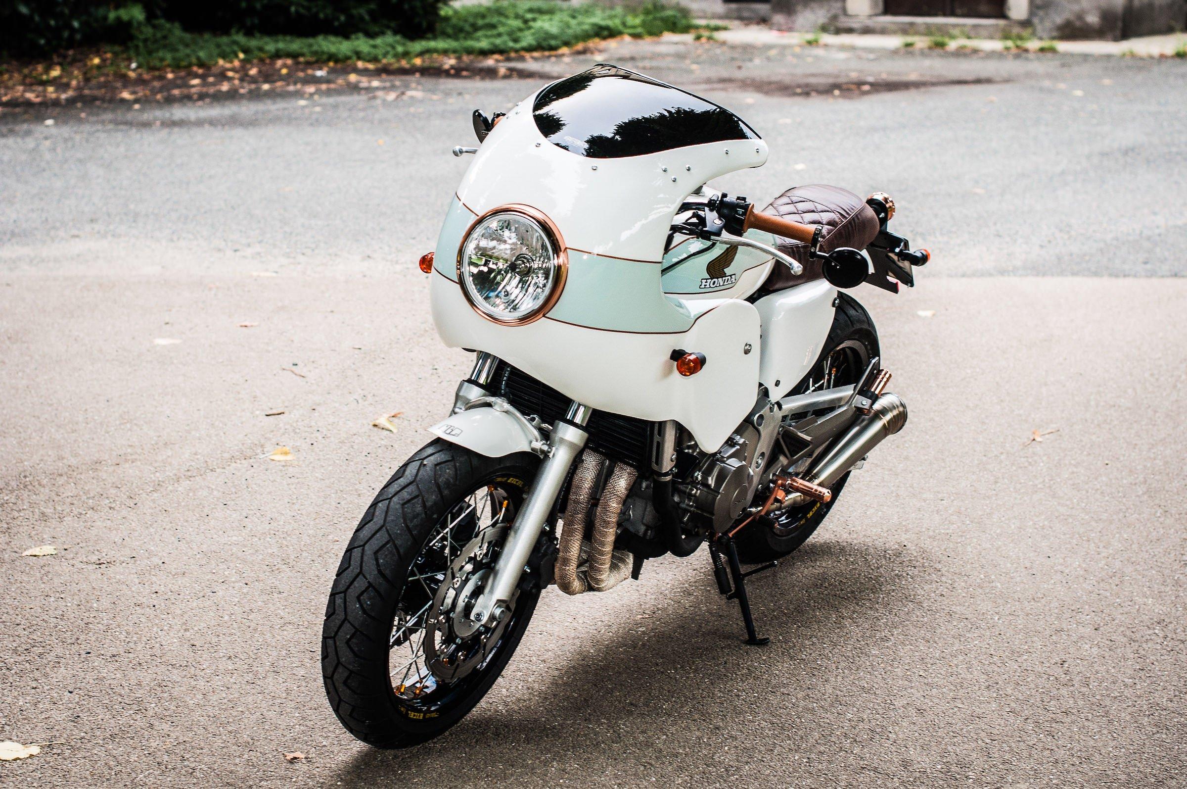 The Metalbike Garage Custom Honda Hornet Cb600f