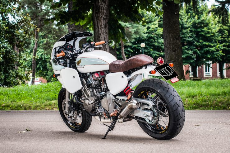 Honda Hornet CB600F Custom Rear 2