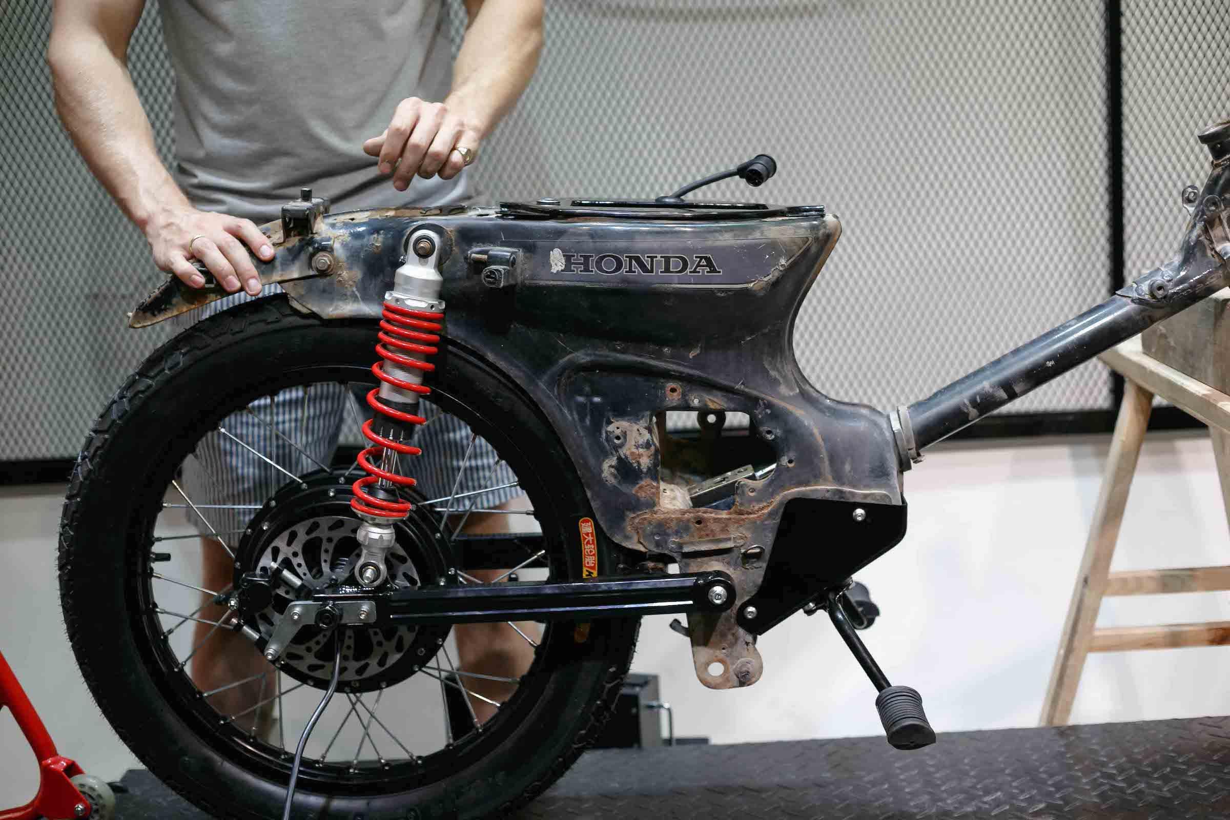 Honda eCub - A Honda Cub Electric Conversion Kit By Shanghai Customs