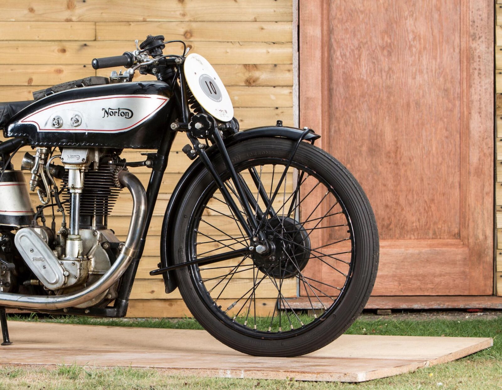 The Norton Model 30 International: The Bike That Dominated The Isle of Man TT