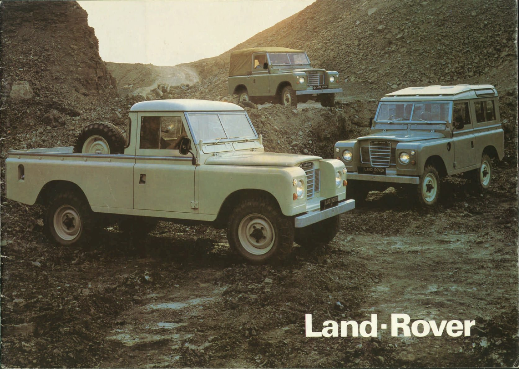 essential reading a brief history of the land rover series 3. Black Bedroom Furniture Sets. Home Design Ideas