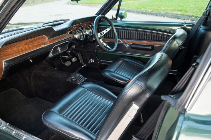Ford Mustang Bullitt Interior 2