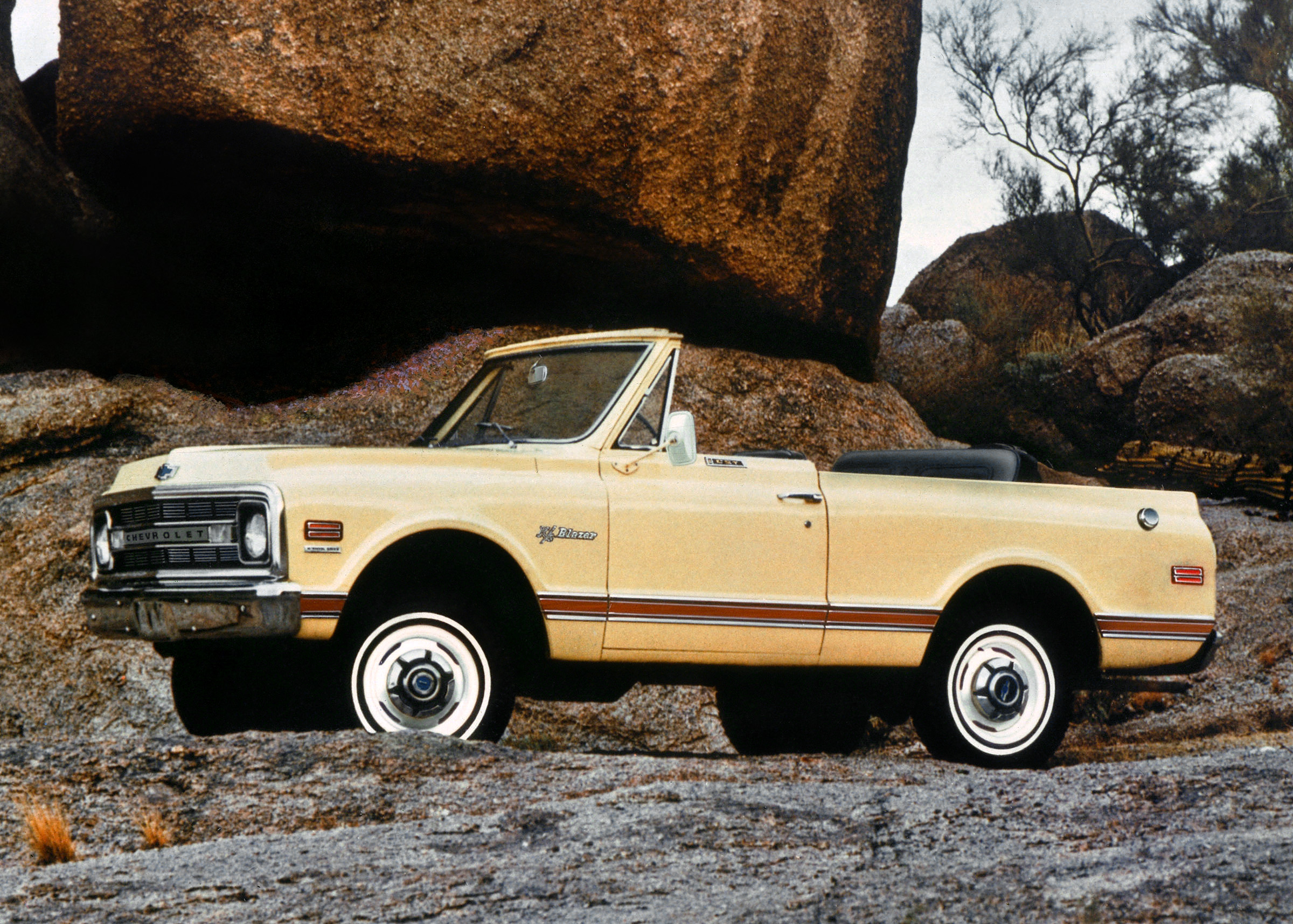 Kelebihan Chevrolet K5 Top Model Tahun Ini