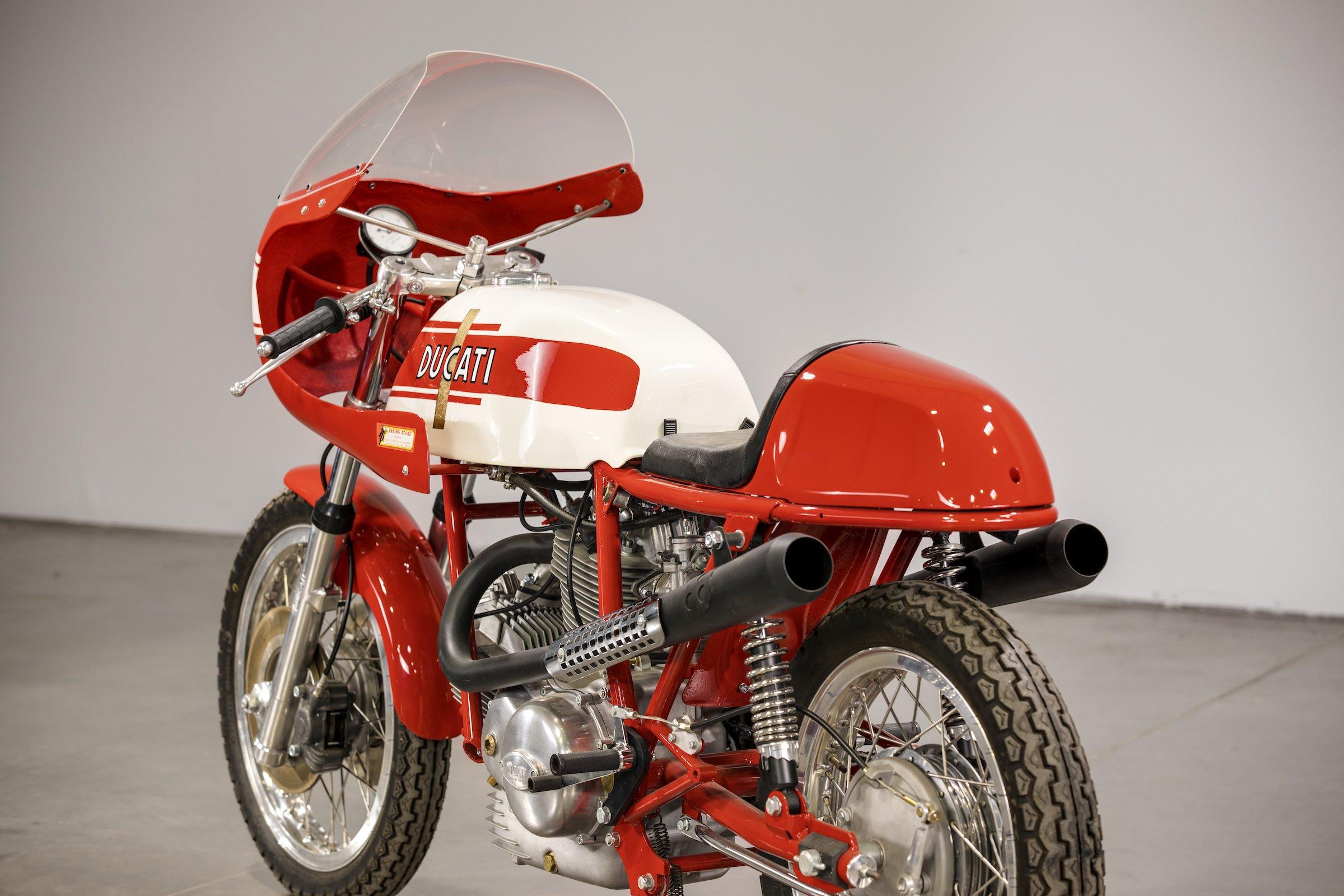Ducati 750 Sport