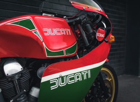 Ducati 900 Mike Hailwood Replica Front