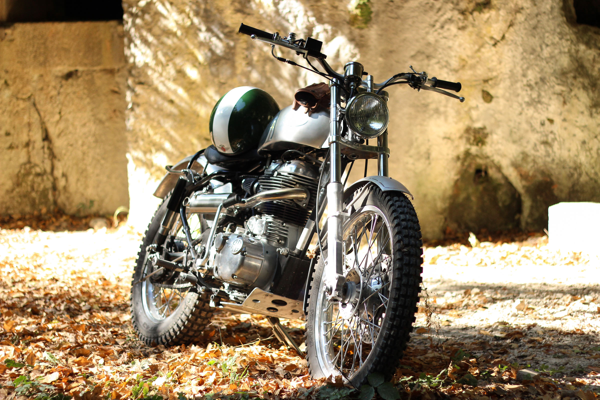 Royal Enfield Classic 500 Scrambler By Baak Motocyclettes
