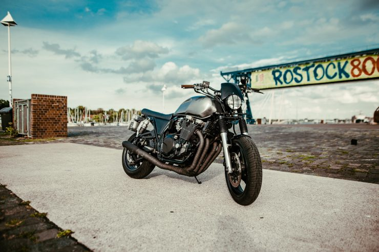 Yamaha XJR1300 Front 2