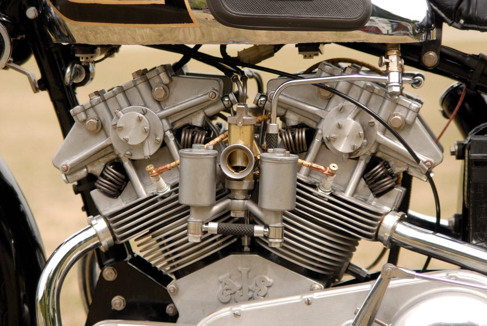 AJS V4 Engine