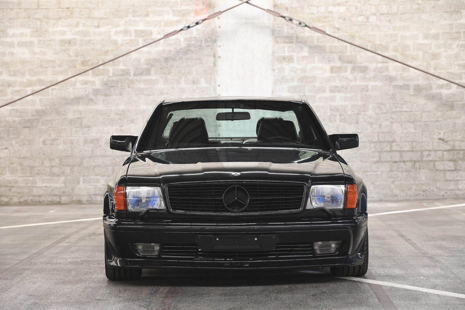 Mercedes-Benz 560 SEC AMG 6.0 Wide-Body Front