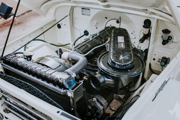 Toyota FJ25 Land Cruiser Engine