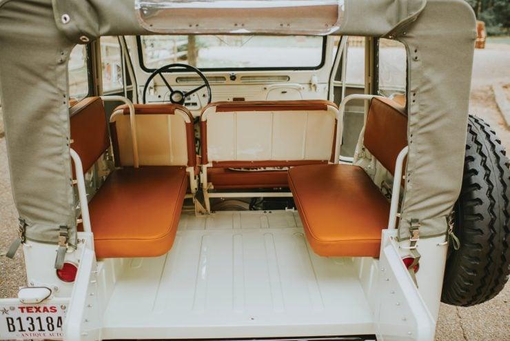 Toyota FJ25 Land Cruiser Interior 3