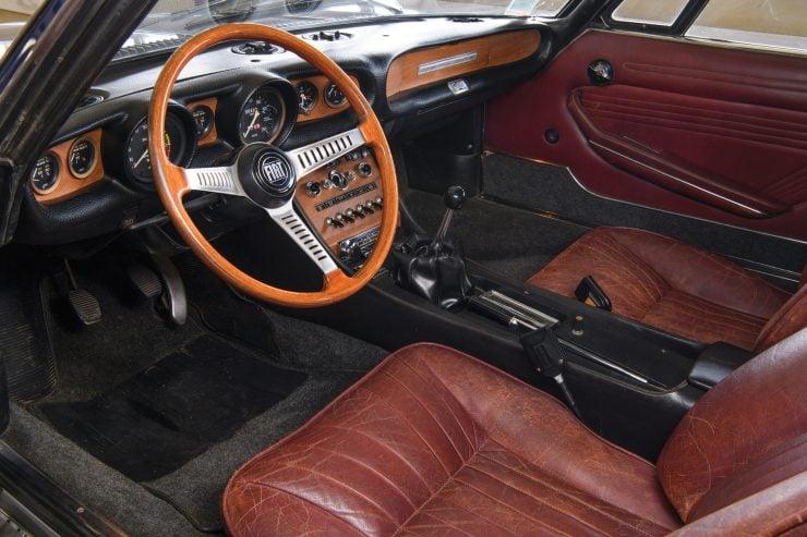 Fiat Dino Interior