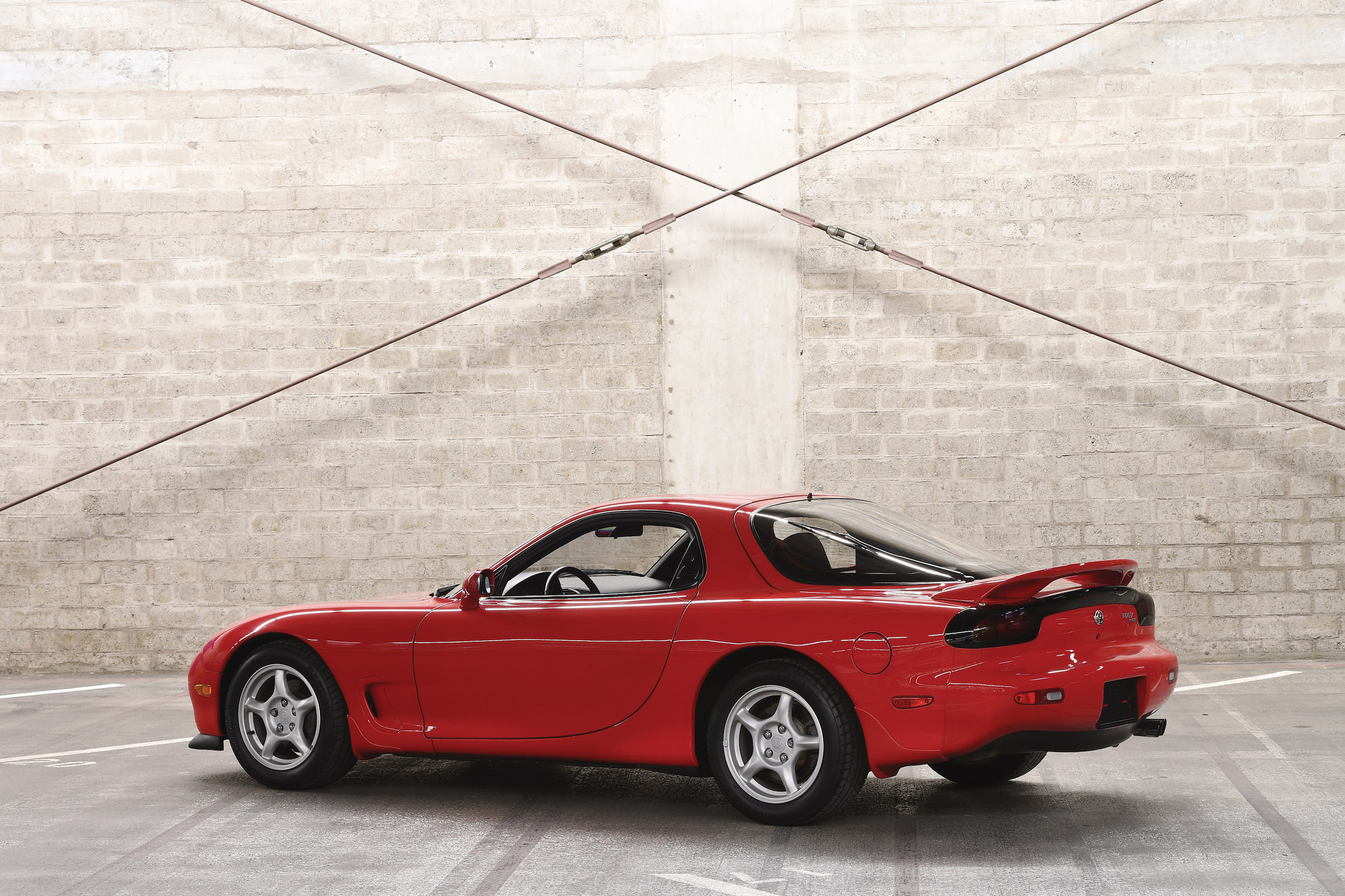 mazda rx 7 the twin turbo rotary powerhouse. Black Bedroom Furniture Sets. Home Design Ideas