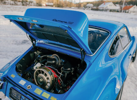 Porsche 911 Carrera RS 2.7 Touring Engine 2