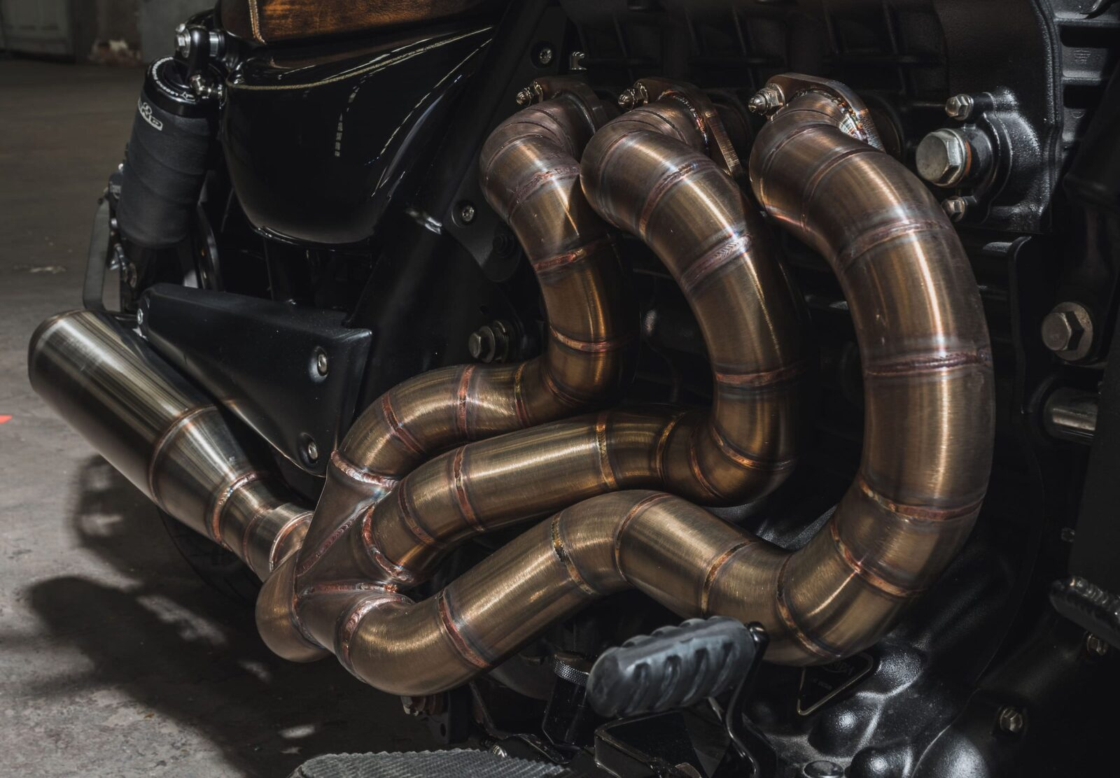 Triumph Rocket III Custom Headers 2