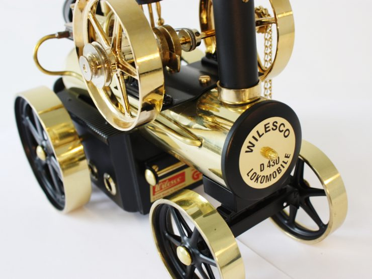 Wilesco Steam Locomobile D430 3 740x555 - Fully Functioning Model: Wilesco Steam Locomobile D430 Traction Engine