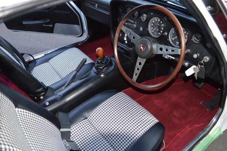 Mazda Cosmo Series I Wankel sports car interior