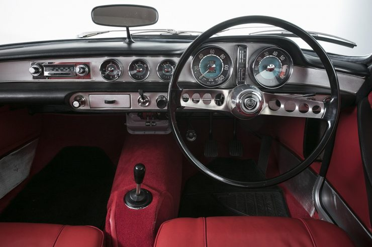 Volvo P1800 dashboard