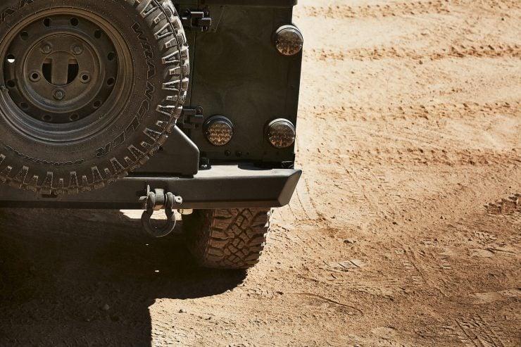 Anvil Land Rover Defender 6