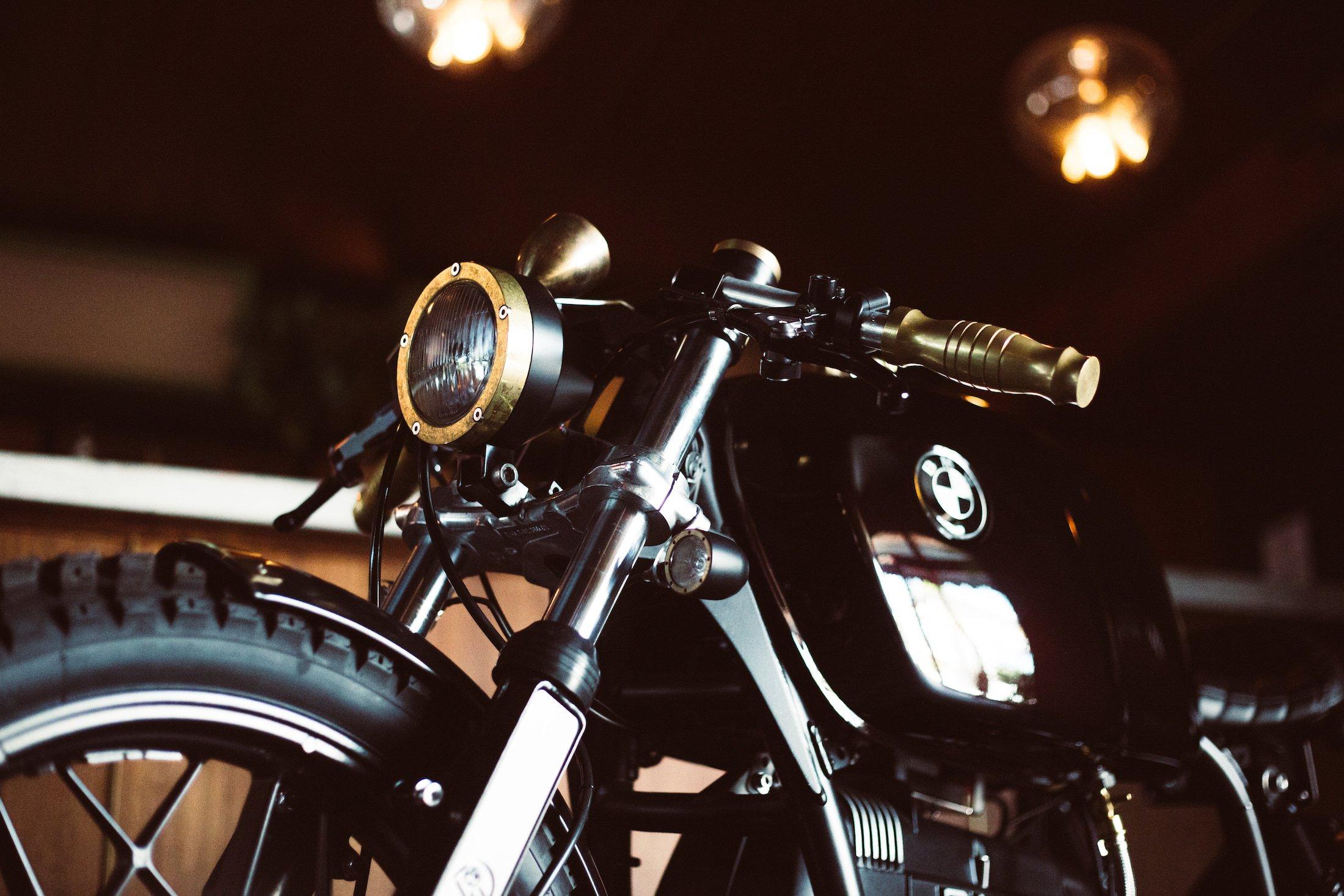 Custom BMW R100 12