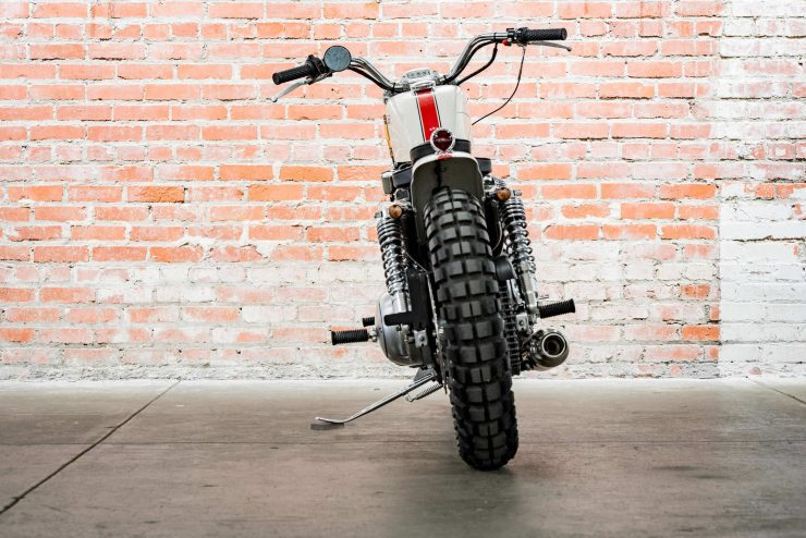 Harley-Davidson XL1200 Sportster Custom Back