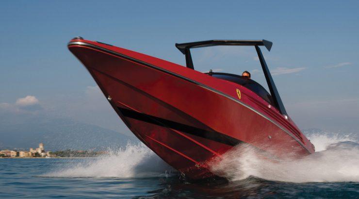 Riva Ferrari 32 6