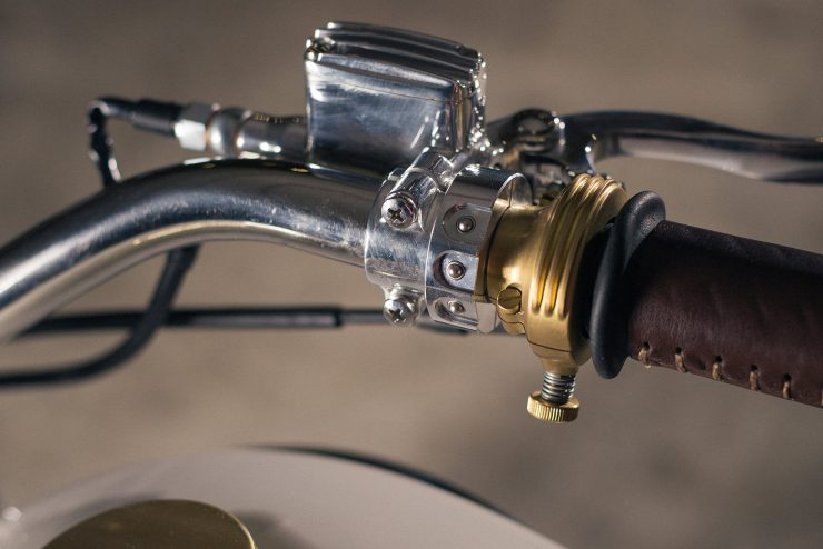 Custom Triumph Bonneville Throttle