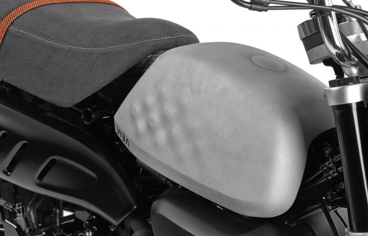 VIBA Jane – A Honda Monkey Custom Fuel Tank 2