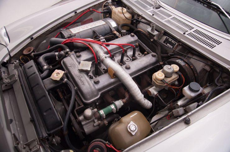 Alfa Romeo Spider Veloce Series II Engine