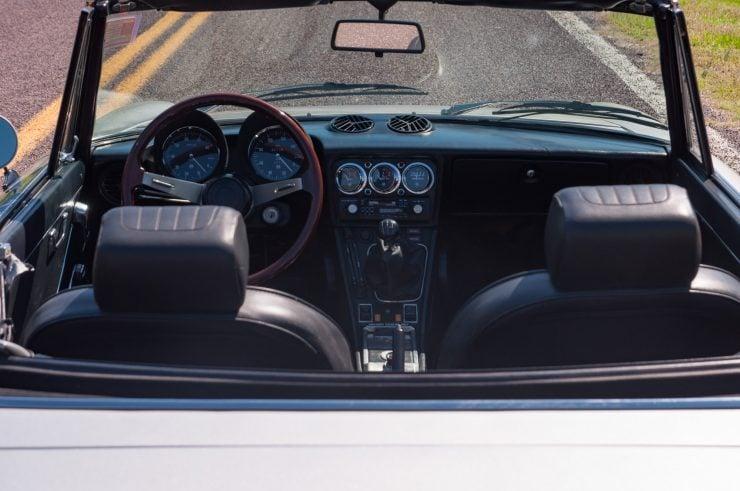 Alfa Romeo Spider Veloce Series II Interior 2