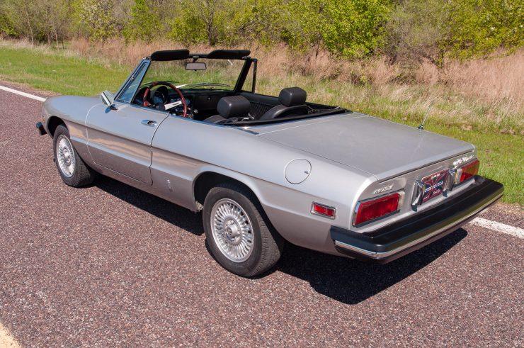 Alfa Romeo Spider Veloce Series II Rear Side