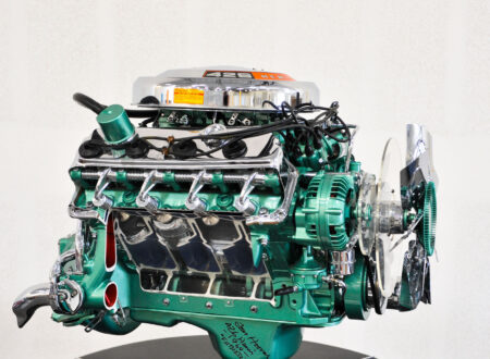 Dodge 426 Hemi V8 Engine