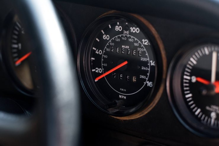 1989 Porsche 911 Speedster Gauges