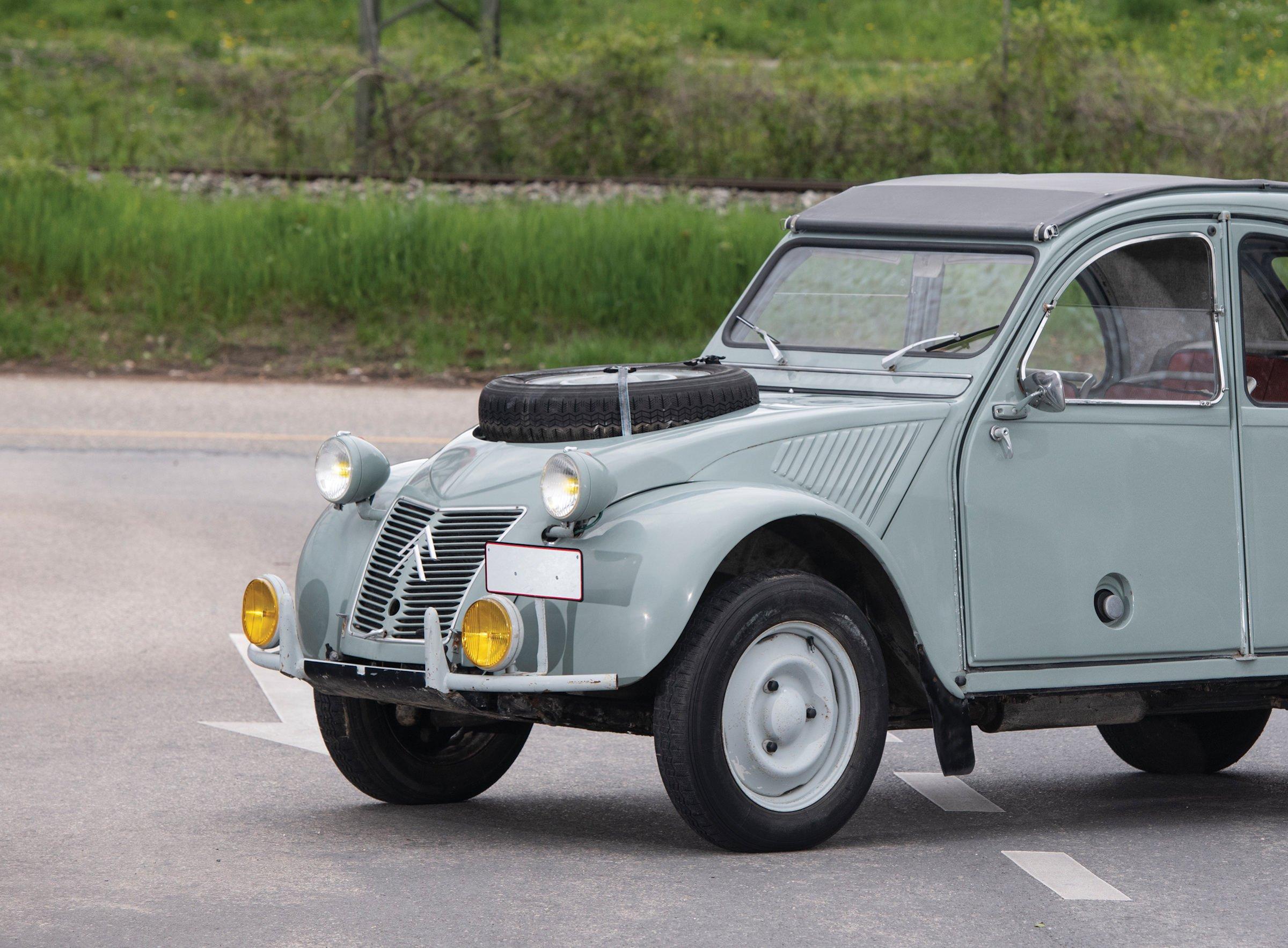 Citroën 2CV 4×4 Sahara Car