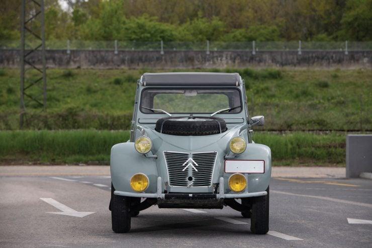 Citroën 2CV 4×4 Sahara Front