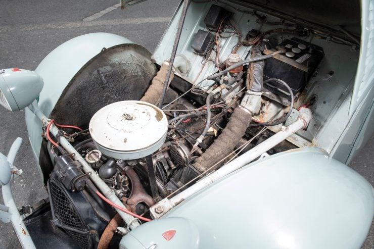 Citroën 2CV 4×4 Sahara Front Engine 2