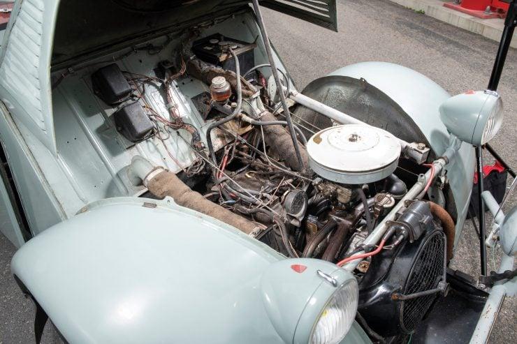 Citroën 2CV 4×4 Sahara Front Engine
