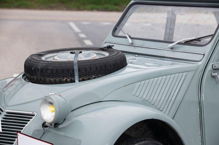 Citroën 2CV 4×4 Sahara Spare Tire