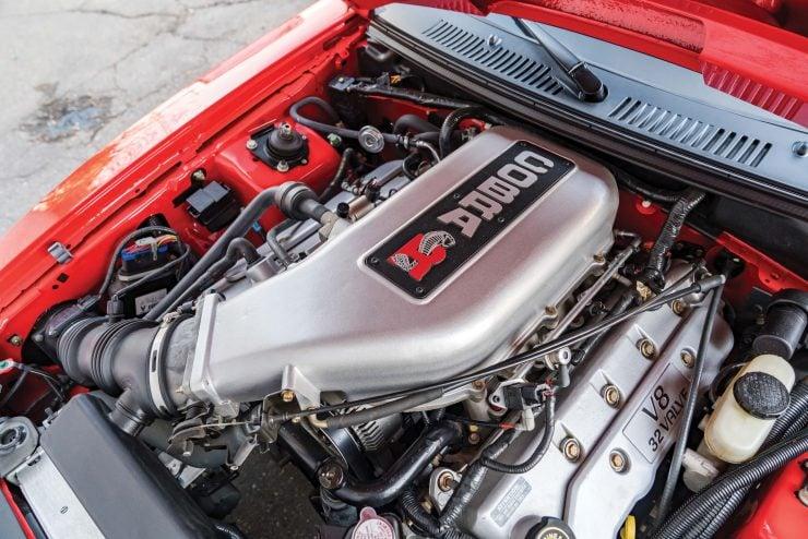 Ford SVT Mustang Cobra R V8 Engine 2