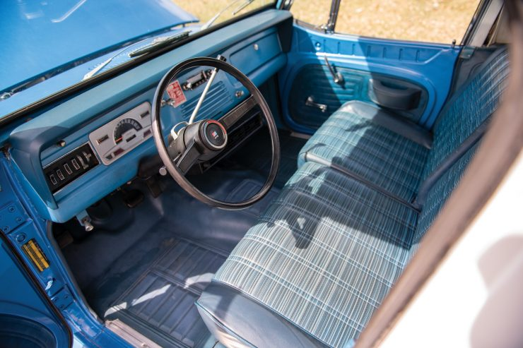 Jeep Commando Interior