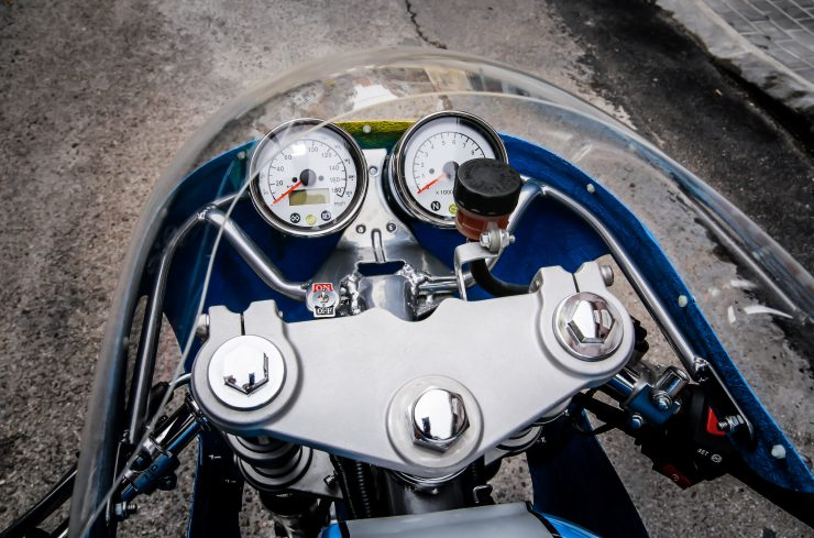 Mash TT 40 Cafe Racer Gauges 2