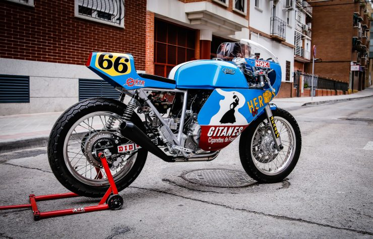 Mash TT 40 Cafe Racer Rear