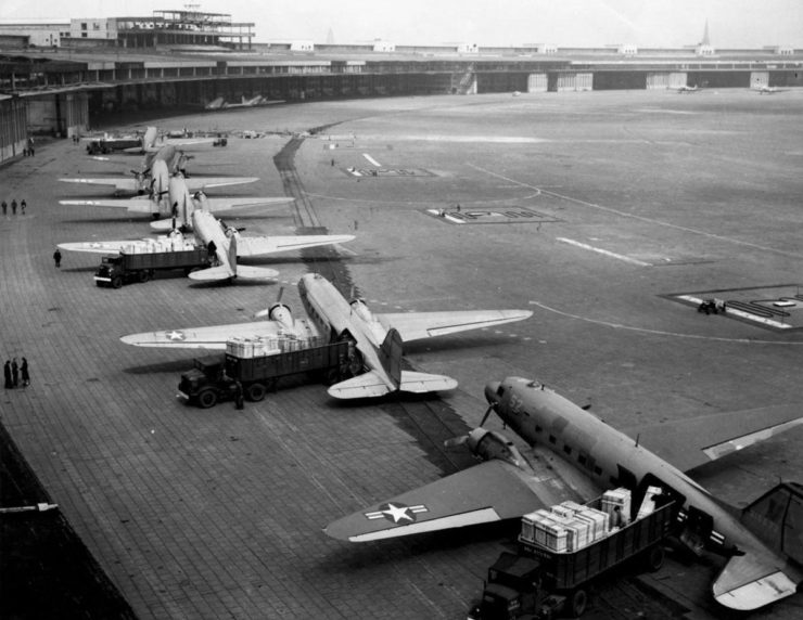 Documentary: The Douglas DC-3 – The World's Most Successful Aircraft