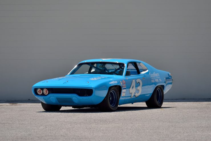 Plymouth Road Runner NASCAR