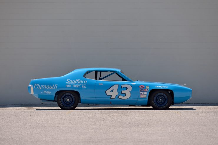 Plymouth Road Runner NASCAR Side
