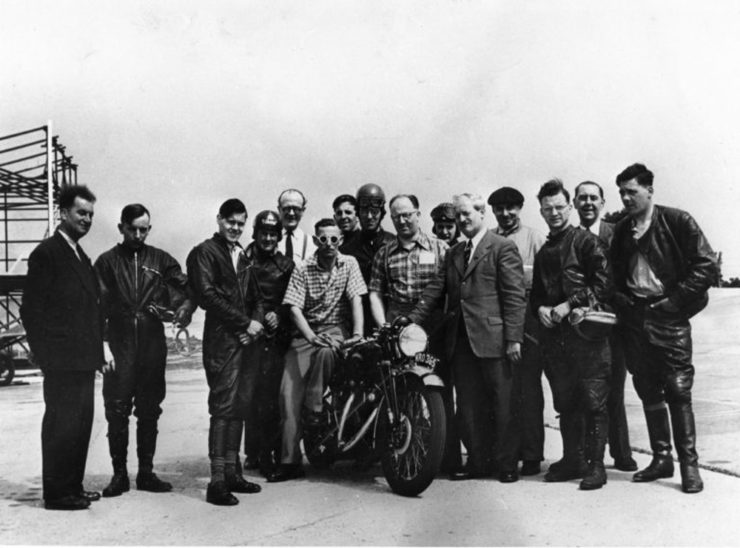 Montlhéry Ted Davis John Surtees Danny Thomas Cyril Julian, Phil Heath Denis Lashmar Gustave LeFevre Bill Petch Robin Sherry Johnny Hodgkin journalist Vic Willoughby Motor Cycle magazine