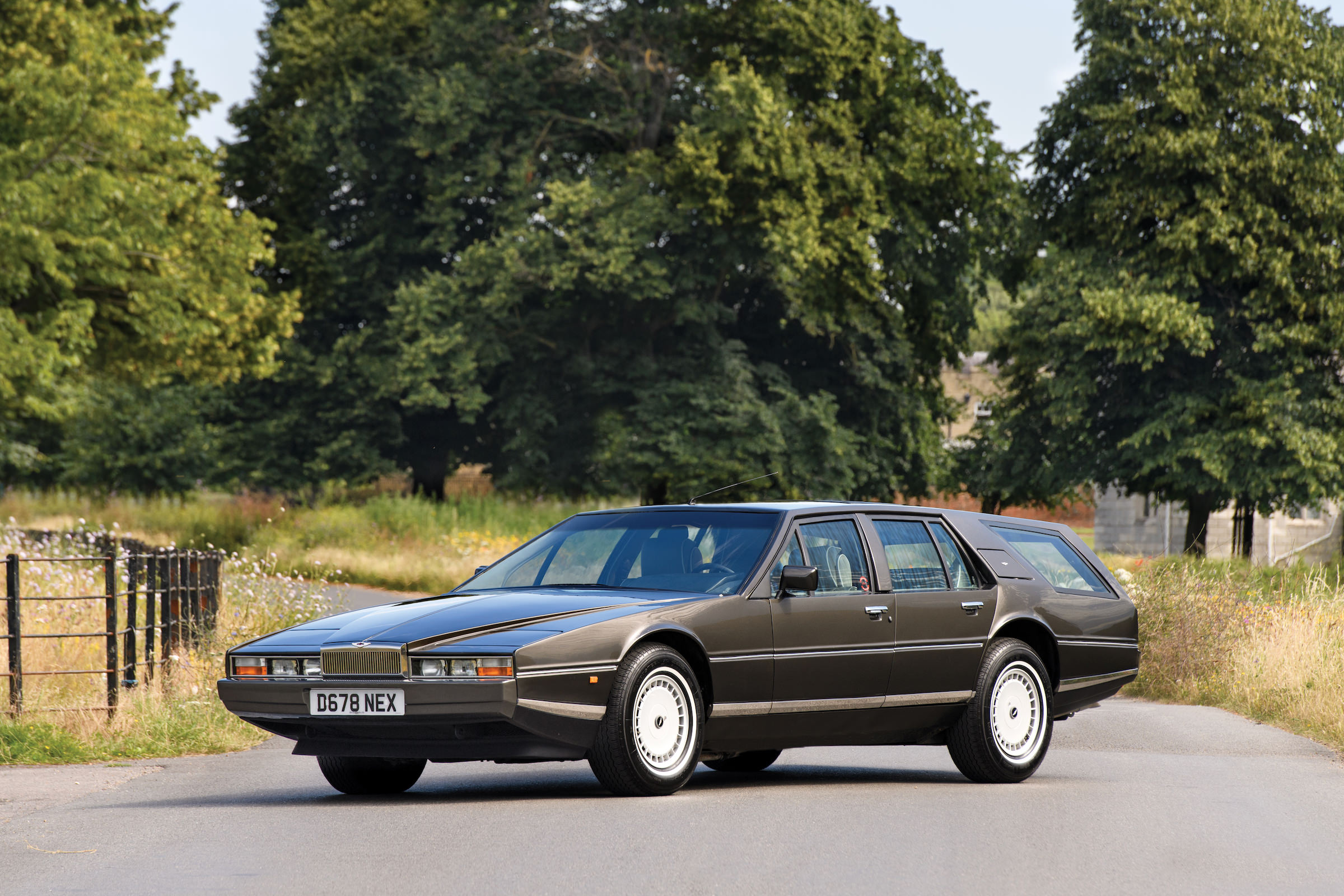 A One Off Aston Martin Lagonda Shooting Brake Designed By A Swede