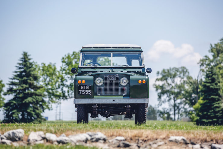 Land Rover Series 2A Front