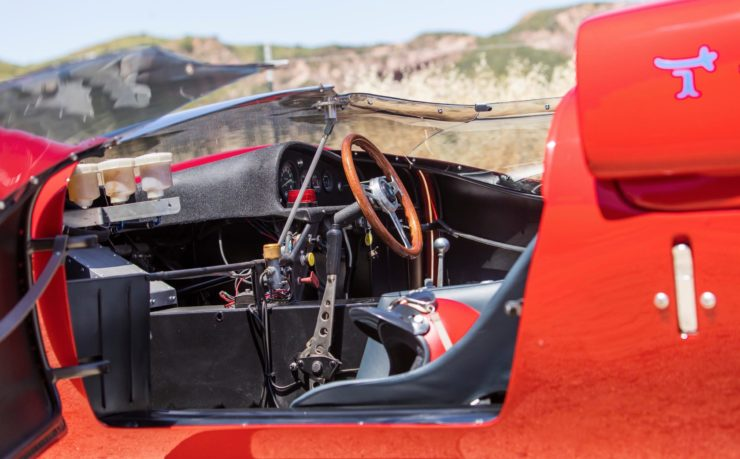 Shelby De Tomaso P70 Cockpit